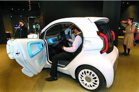 首款量产3D打印电动车亮相 明年4月投产
