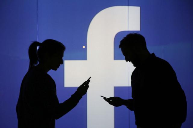 扎克伯格国会作证:不排除推付费版Facebook服务