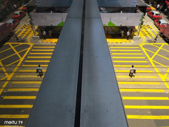漫步香港 专业摄影师用美图T9玩转宁静与充满形式感的街头光影【