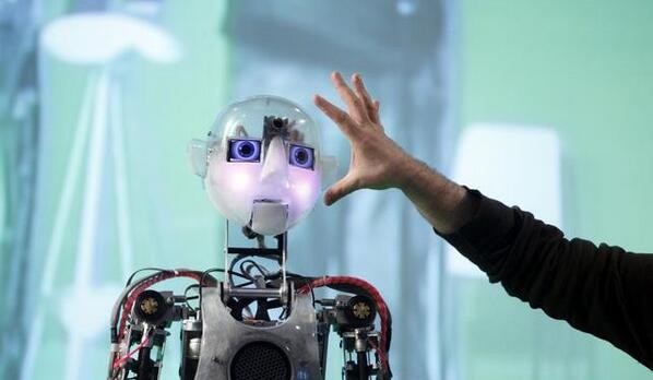 "AI人才争夺战:升职加薪能""套路""95后吗?"