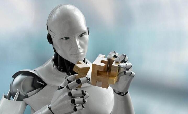 """研发机器人""""小安"""" 实现""""千人千面""""的智能驾驶"""