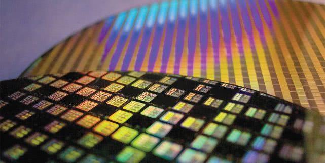 7纳米制程A12芯片将让新iPhone技术上遥遥领先竞争对手