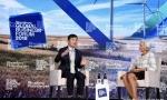 彭博全球商业论坛李彦宏亮剑:互联网是开胃菜,AI才是主菜