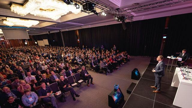 松鼠AI亮相欧洲顶级教育峰会OEB 让每个孩子都有超级老师