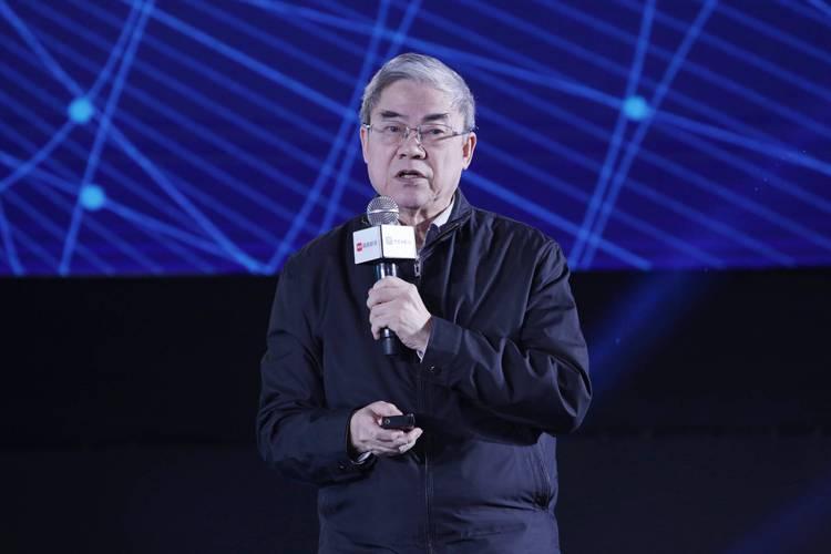 """院士邬贺铨:人工智能的魅力是""""永远在路上"""""""