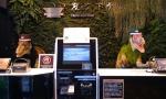 人工智能变人工智障!全球首家无人酒店裁掉半数机器人
