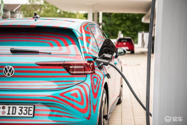全自动充电时代来临? 大众将推自动驾驶EV机器人充电服务