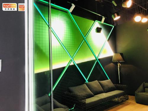 微软未来生活体验馆吸眼球,涂鸦智能携手落地智能生活