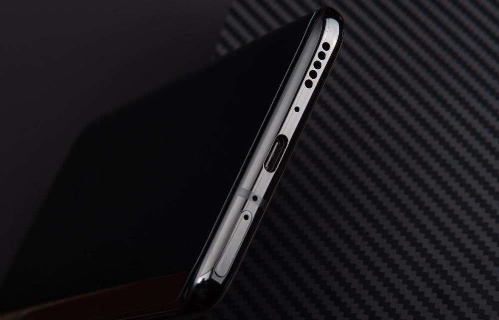 一加推出高端定制手机,使用5g双模基带,国外售价约为6300元