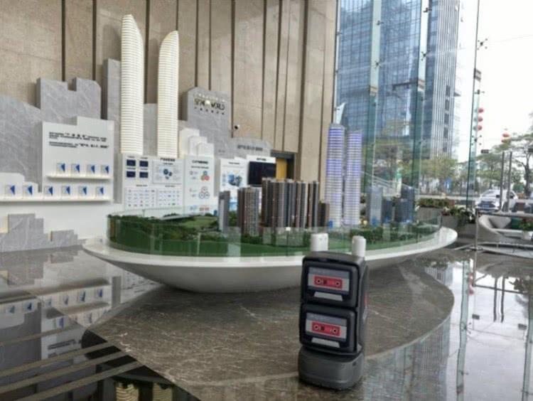 深圳一产业园引入机器人当清洁员及送外卖,一台机器人负责30层