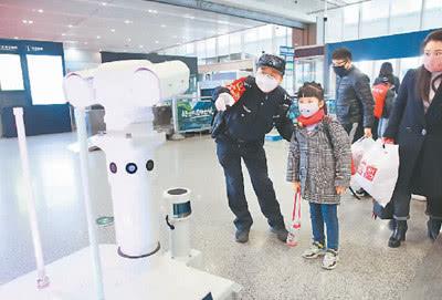 智能机器人站上抗疫前线:AI技术助力 企业各展其能