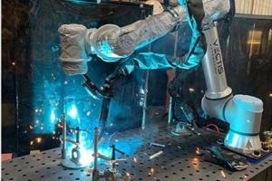 优傲机器人推出UR+应用套件显著简化协作机器人部署