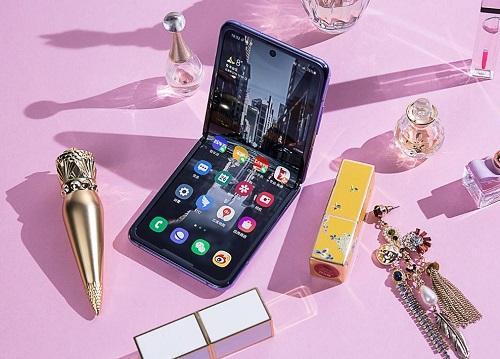 全新形态引领潮流趋势 折叠屏手机当买三星Galaxy Z Flip