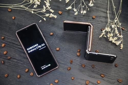 新科技 新时尚,三星Galaxy Z Flip 5G登陆蓉城