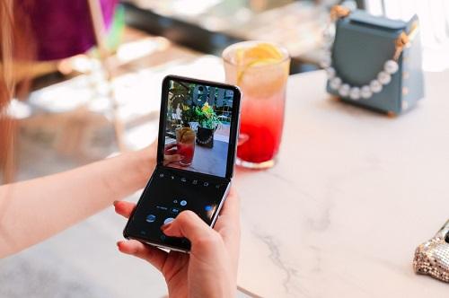 不想做拍照小白 三星Galaxy Z Flip 5G助你一臂之力