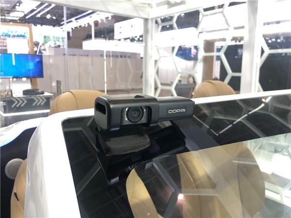 盯盯拍MINI5与华为Harmony车机互联,丰富智能座舱拍摄体验