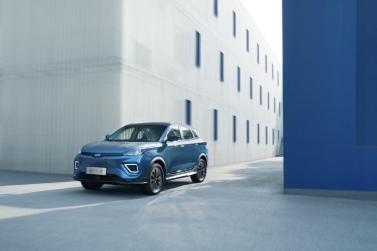 抢滩布局5G+L4自动驾驶,威马新能源汽车亮相2020工博会