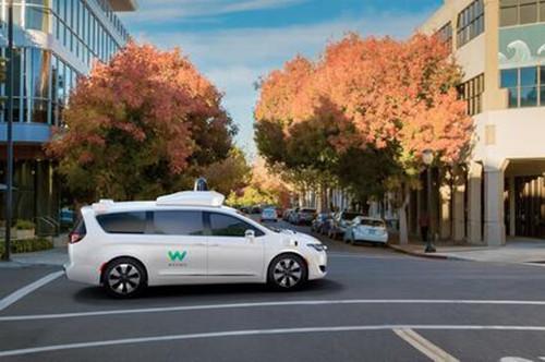 Waymo宣布周四起向Waymo One乘客提供全自动驾驶服务