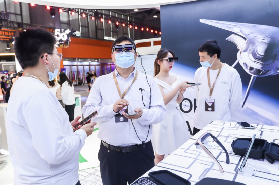 OPPO参展中国移动全球合作伙伴大会,卷轴屏概念机、AR眼镜亮相