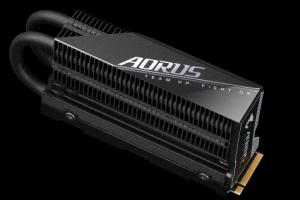 技嘉AORUS Gen4 7000s SSD PCIe 4.0 NVMe固态硬盘 极速上市