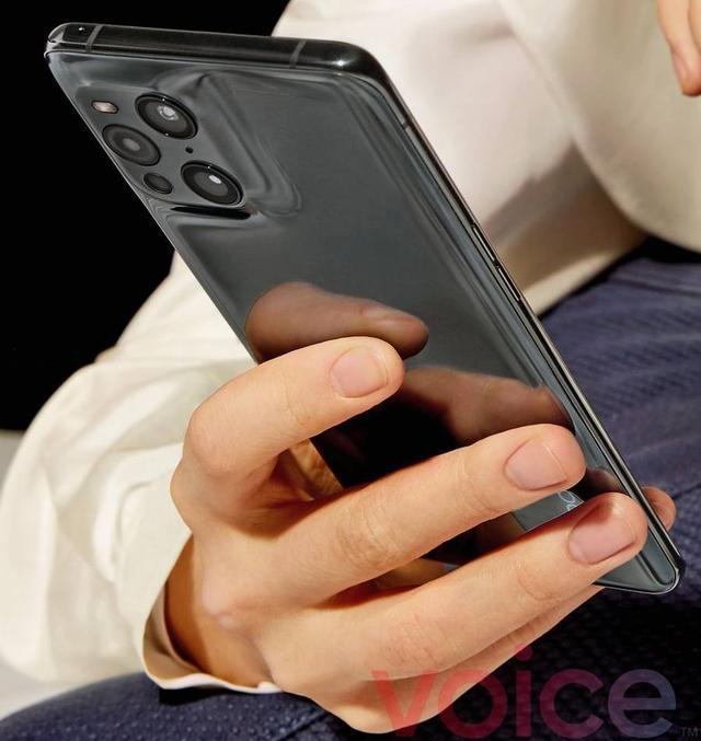OPPO Find X3 Pro真机首曝,相机配置强悍