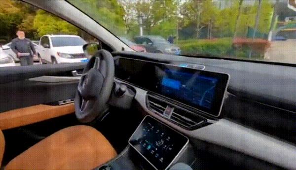 央视撒贝宁探班威马汽车,百度李震宇谈自动驾驶体验:之前的体验有Bug