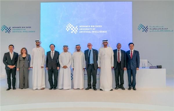 阿联酋全球第一所人工智能大学提供全额奖学金 顶级华人AI学者出任校长