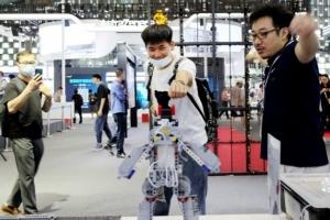 2023年人工智能产业破2千亿,浦东还将探索数据立法