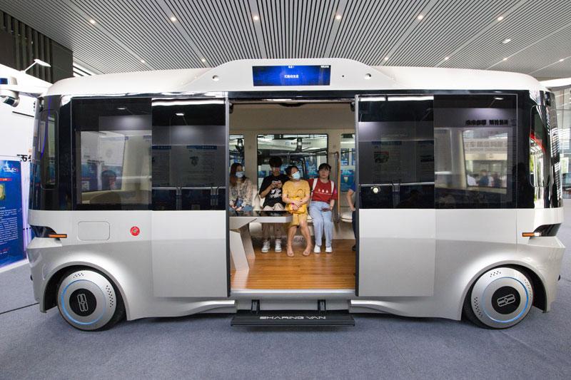 """""""中国车谷""""5G自动驾驶汽车 引领湖北出行新时代"""