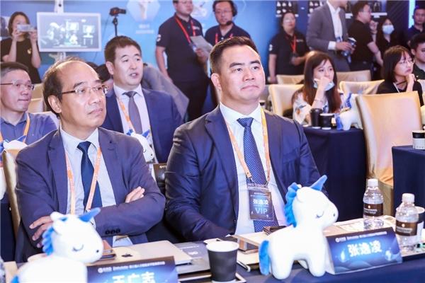 """AI+手术机器人""深度布局关节置换产业链,长木谷引领中国骨科数字化浪潮"