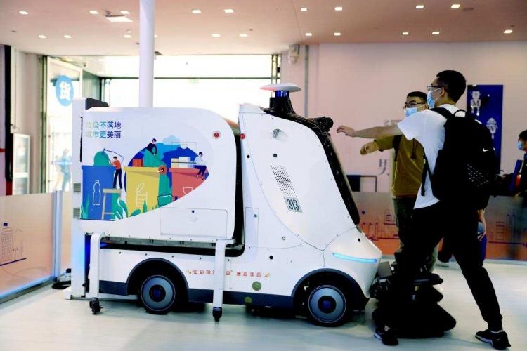 坎德拉携烛光、阳光系列机器人登场世界机器人大会,打造光主场