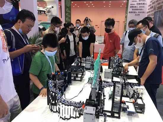 2021世界机器人大会 金大智能展位科技成果实力吸睛