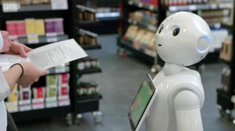 服务机器人热潮涌动 商业场景模式即将重塑