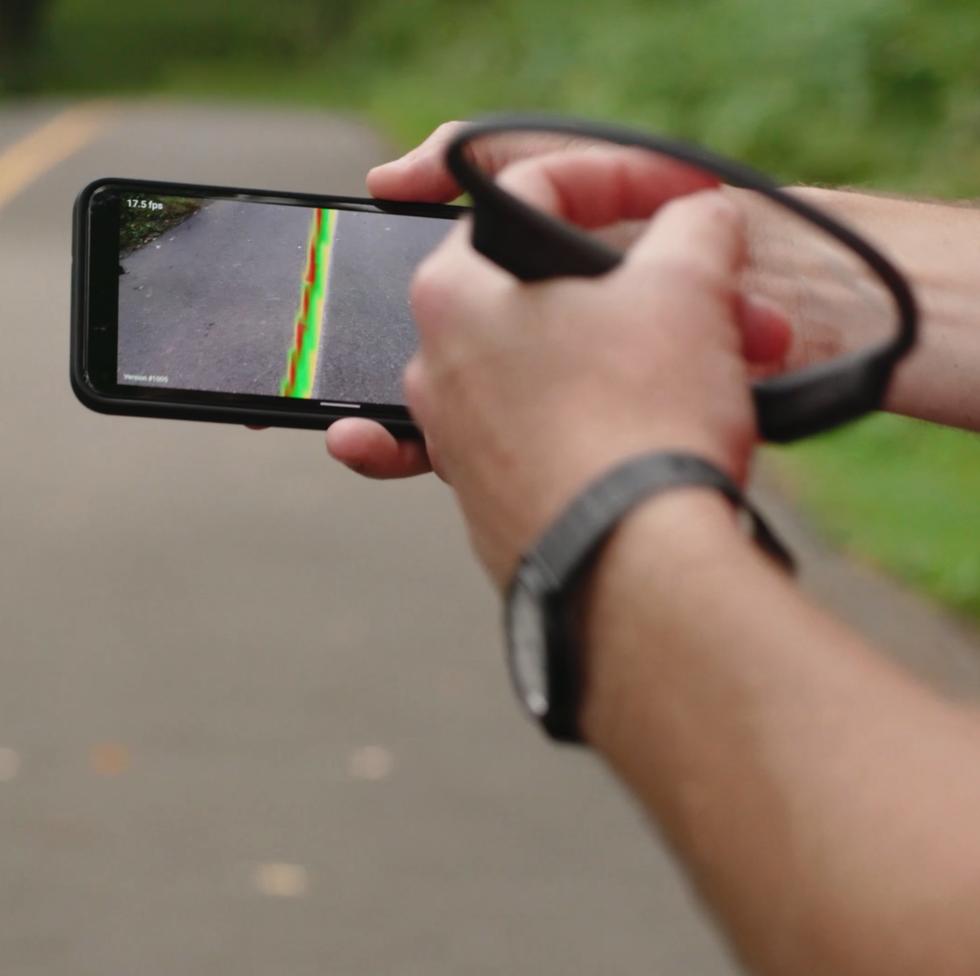 你是我的眼:谷歌Ai携手韶音运动耳机为盲人助跑